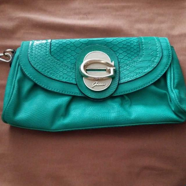 huge sale quite nice exceptional range of styles Guess clutch purse