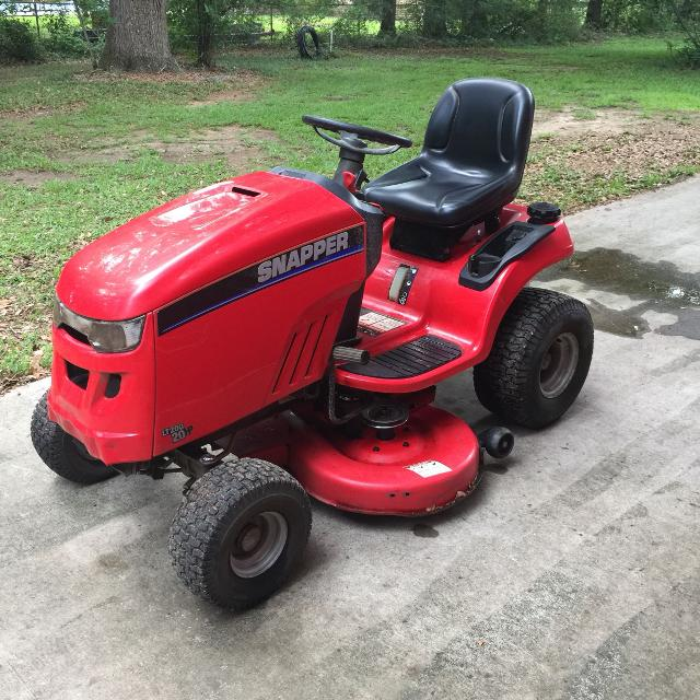 2006 Snapper LT200 20 HP 42 inch cut   Has 450 hours   Runs great  Cross  posted  Need quick sale