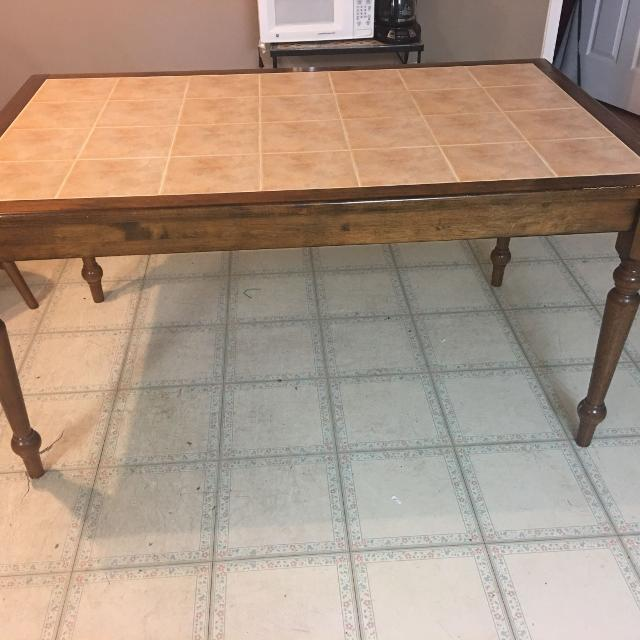 Dining Table Seller Can Meet Near San Antonio TX
