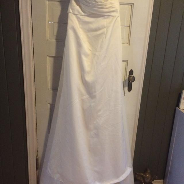Best Wedding Dress Asking 320 Obo Comes With Slip And Corset Bra