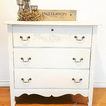 Best New And Used Furniture Near Russell On