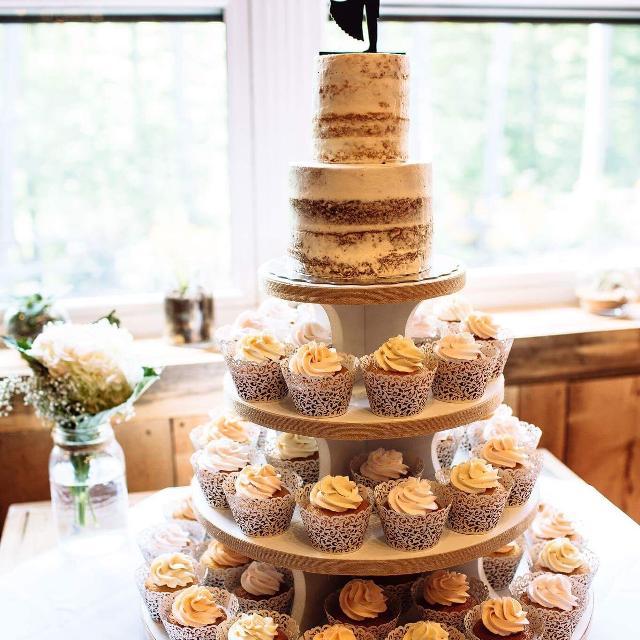 Wedding Cake And Cupcakes Amp Rental Displays In Dollard