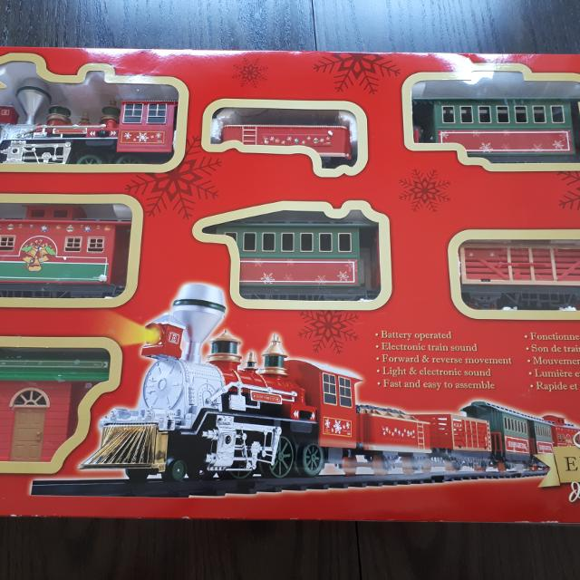 EUC Holiday Train set with sounds and light