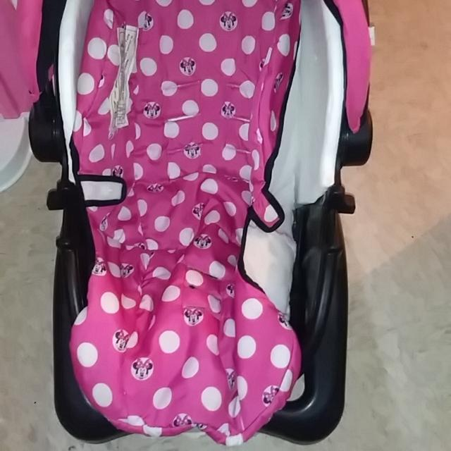 Cosco Minnie Mouse Car Seat And Base