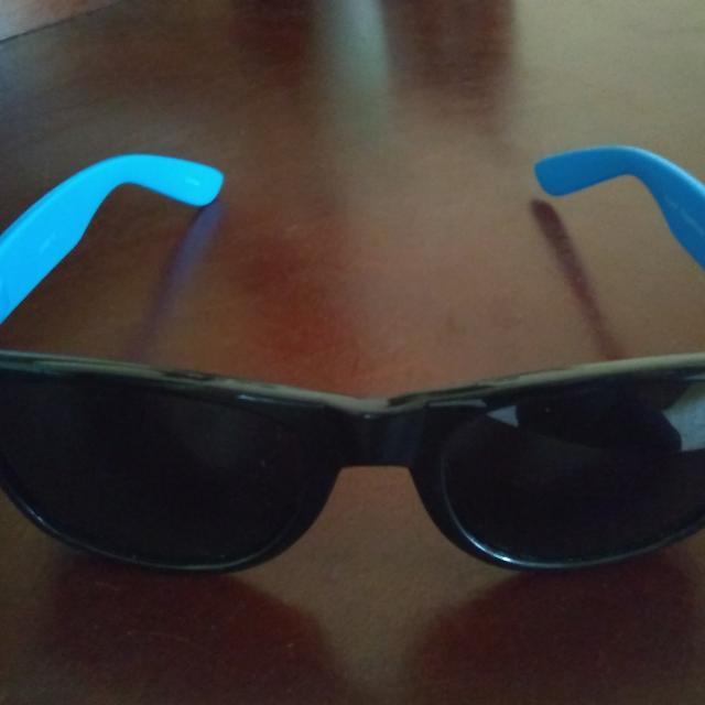 Ray-Ban Style Sunglasses With Blue Arms 4e7c484b59e8