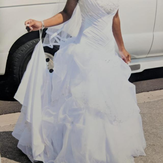 Find More Beautiful Wedding Gown In Pristine Condition For Sale At