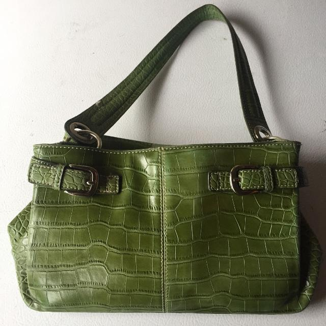 49b39d5210 Best Tommy Hilfiger Faux Leather Olive Green Purse/handbag for sale in  Oshawa, Ontario for 2019