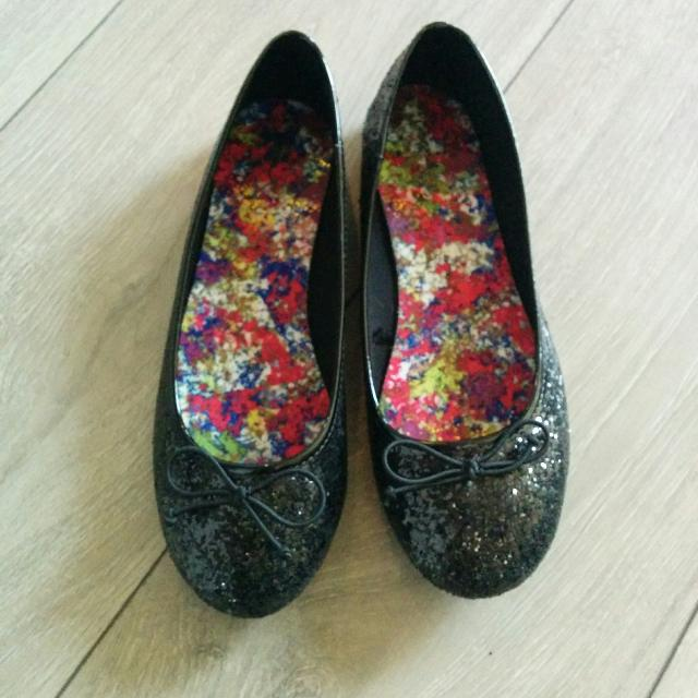 5376fe729c3e Find more Size 4 Girls Black Sparkly Dress Shoes for sale at up to ...