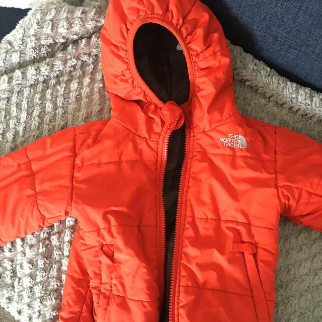 e1c40bb27084 Find more Toddler Boys Insulated North Face Jacket - Size 18-24 ...