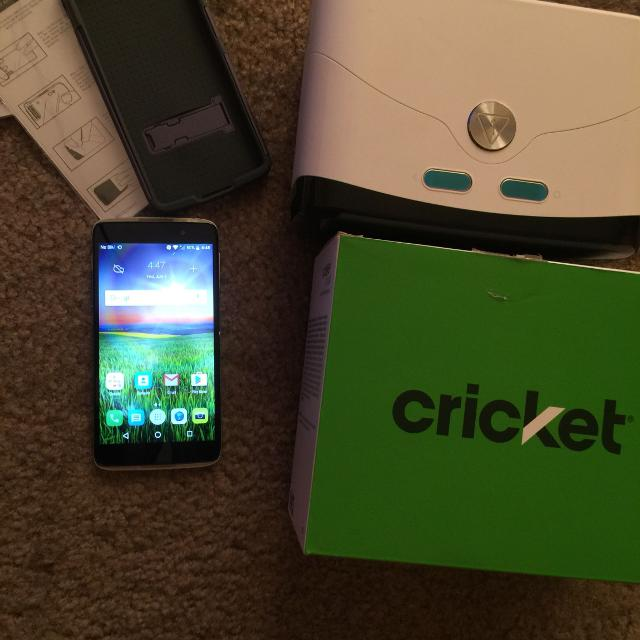 Cricket phone brand new with accessories