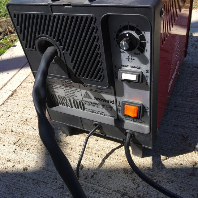 Handy core 100 arc welder by Lincoln electric