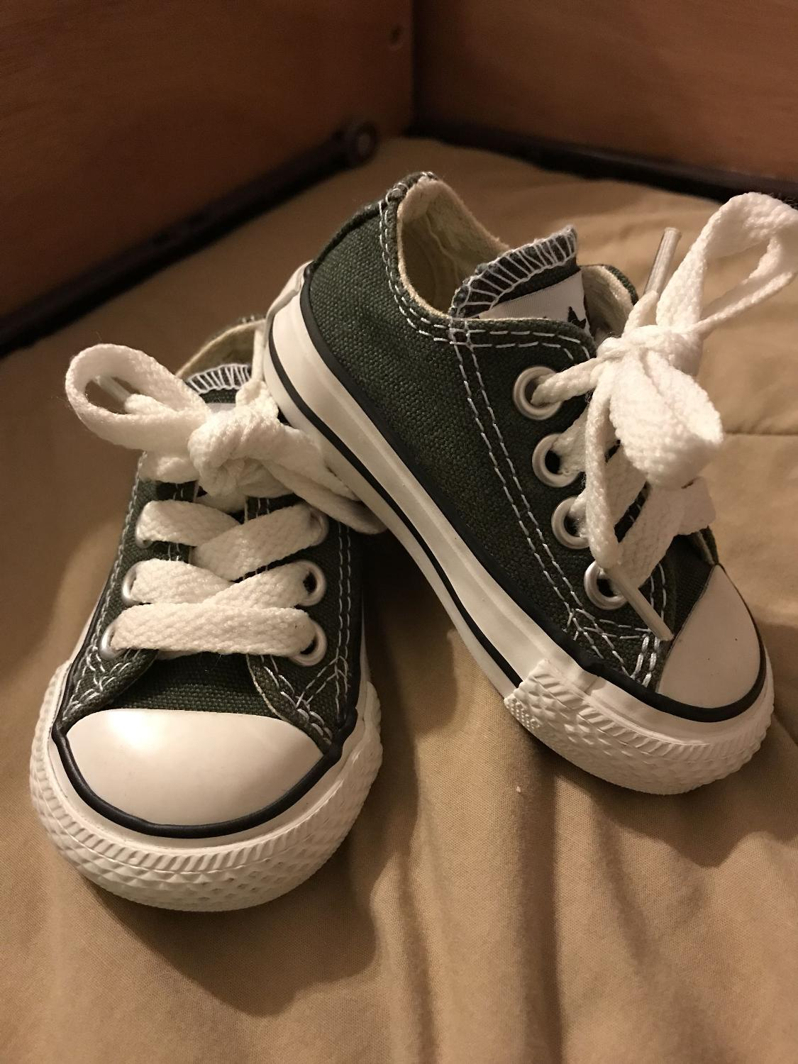 Best Infant Converse Size 2 for sale in Friendswood afa7eac76