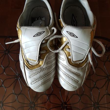 Used, Kids UMBRO soccer shoes with shin pads for sale  Canada