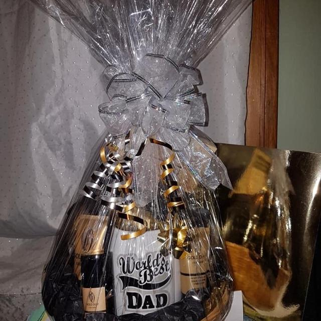 Best Artess Gift Pack Fathers Day Gift Basket for sale in Winnipeg, Manitoba for 2019