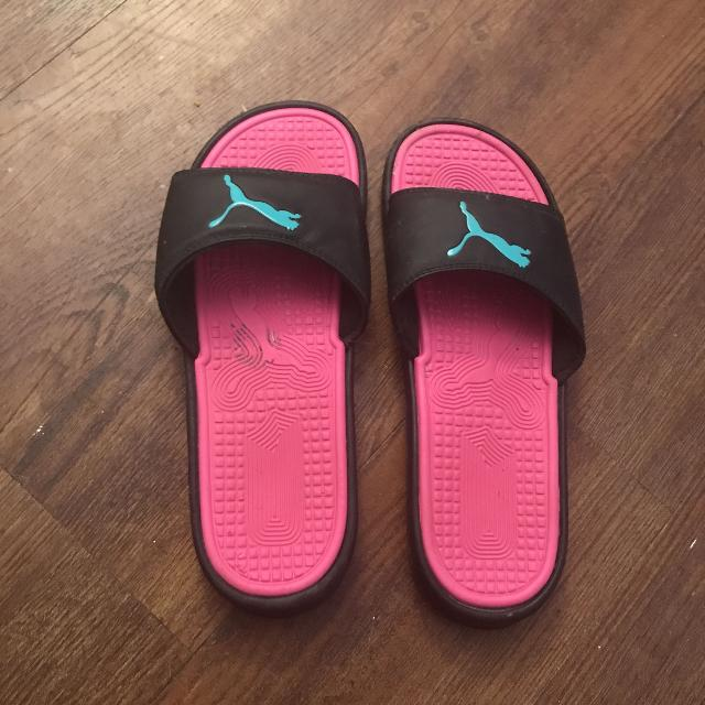 e0a6c445fc12 Find more Size 10 Women s Puma Slides for sale at up to 90% off