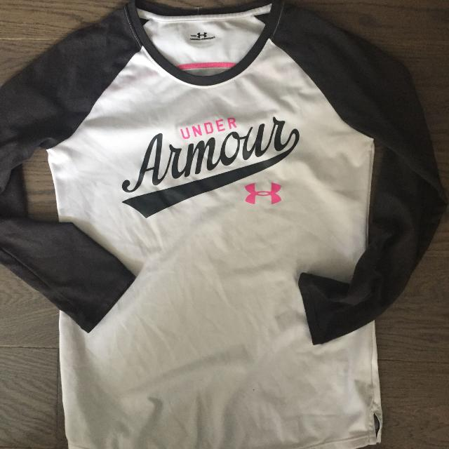 7375ea354 Find more Girls Long Sleeve Under Armour Shirt. Euc $10 Size M for ...