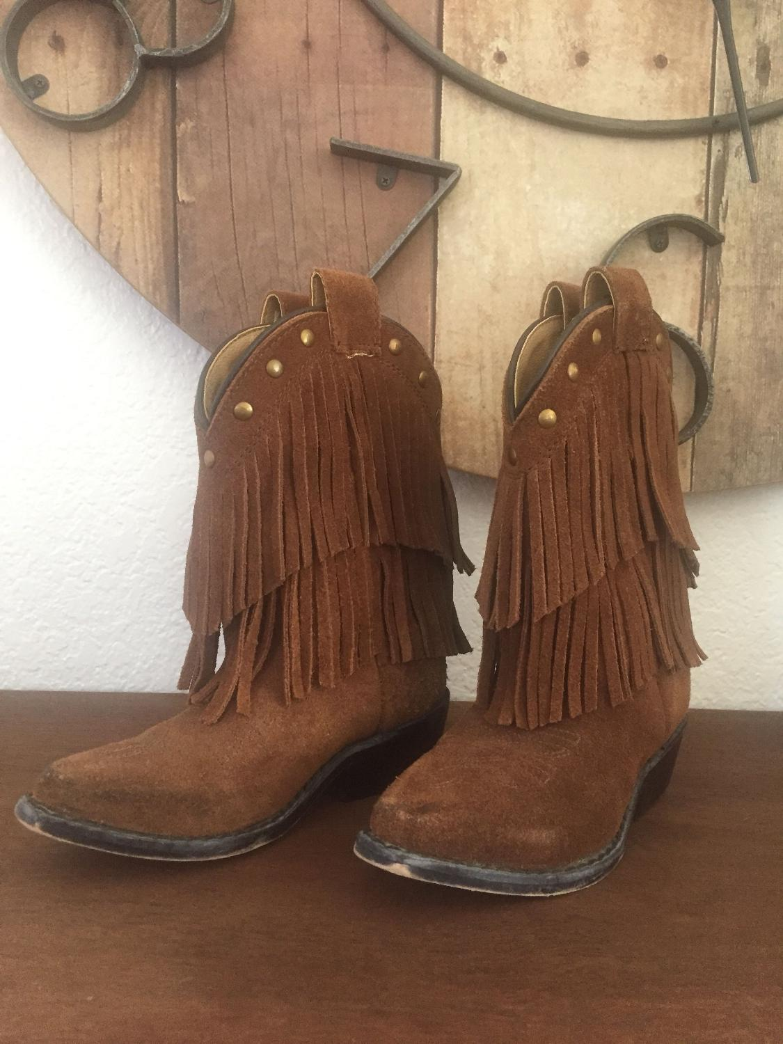 1fb3e1685a0 Fringe toddler cowgirl boots size 9 good used condition