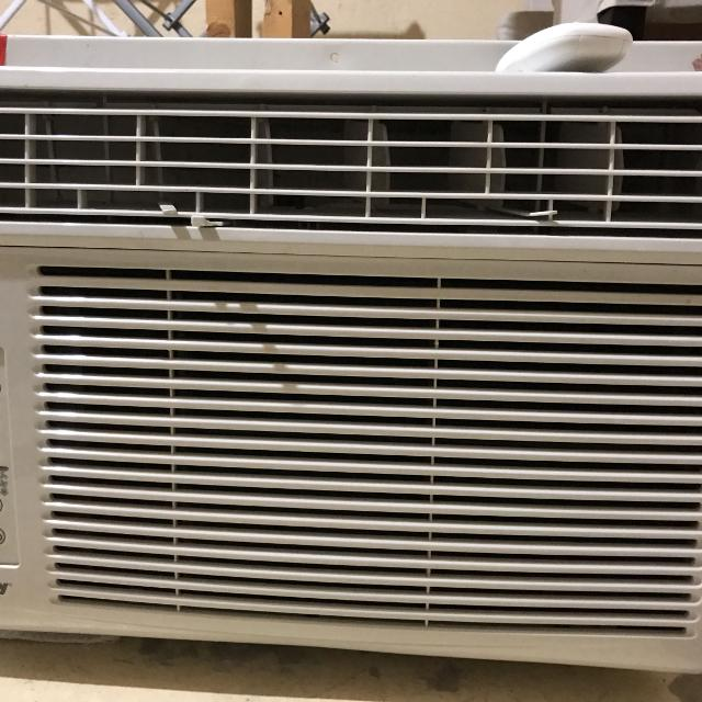 Danby 12000 BTU air conditioner  Only 4 years old, impeccable  Cooled my  whole townhouse  Selling cause I got a mini split  Paid $320+tx new