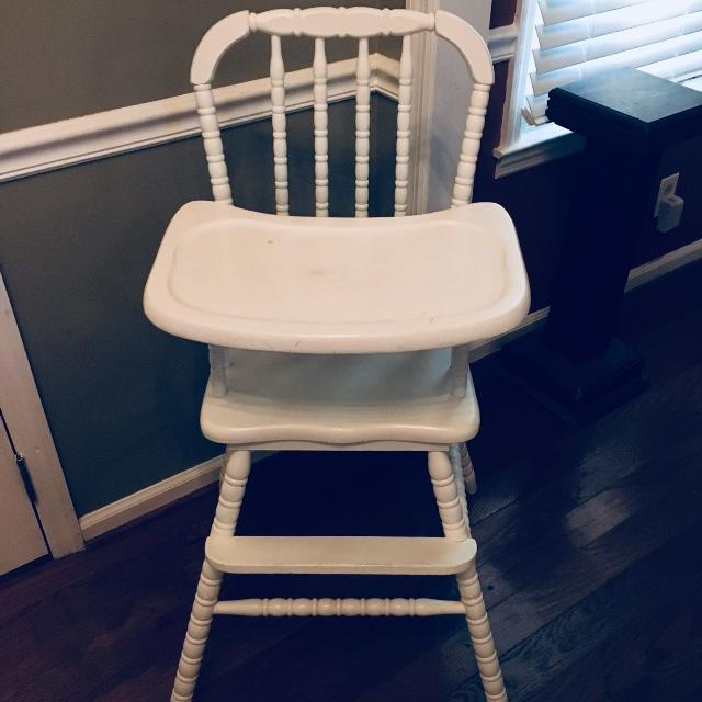 Vintage White Wooden High Chair For Rent