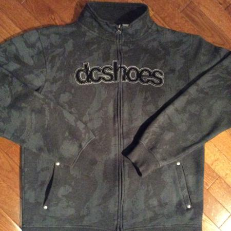 D c shoes sweatshirt, used for sale  Canada