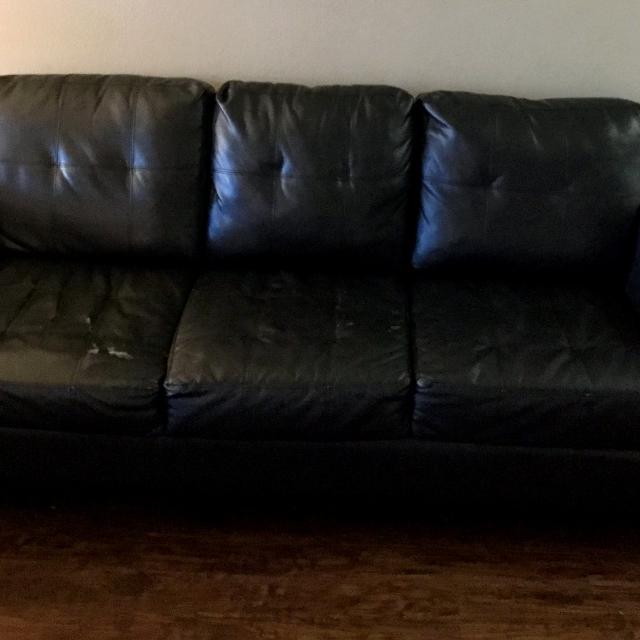 Best Black Color Leather Sofa 3 Seaters - 75 $- West Parmer, Austin ...