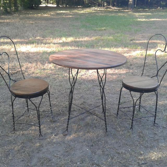 Ice Cream Parlor Table And Chairs Set