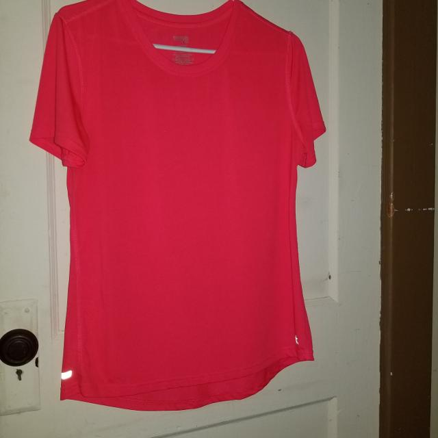 38f8c699 Find more Danskin Now Semi-fitted T-shirt for sale at up to 90% off