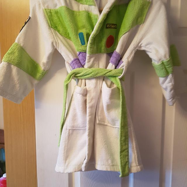 Famous Buzz Lightyear Dressing Gown Photos - Ball Gown Wedding ...