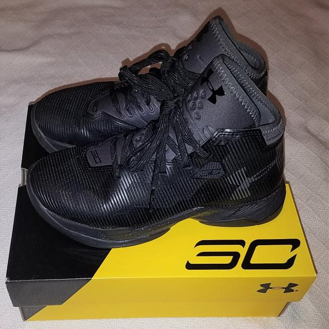 online store 5da59 9edbe $114.99 BRAND NEW IN BOX UNDER ARMOUR UA CURRY 2.5 BOYS BLACK BASKETBALL  SHOES SIZE 4Y
