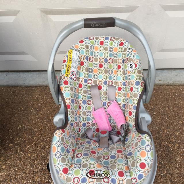 Graco Infant Car Seat Carrier With Base