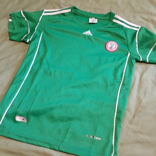 2032527f5f165 Nigeria soccer jersey size medium (10/12)