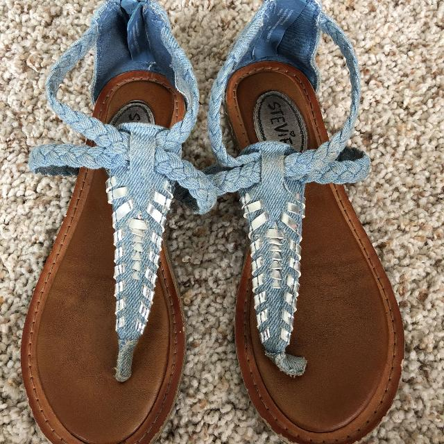 caf7d0660bcfc Find more Target Girls Sandals Size 1 Mile Wear for sale at up to 90 ...