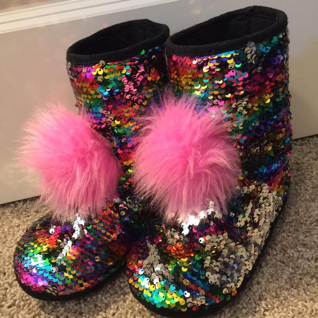 4caf12605f7d Find more Justice Flip Sequin Slippers Sz 4/5 for sale at up to 90% off