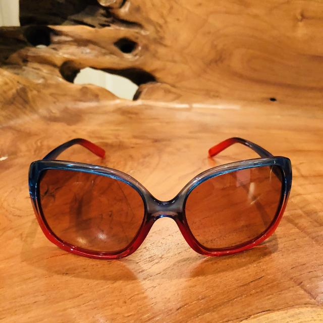 e6d31e2907 Best Women s Oakley Beckon Sunglasses - Serial Number 009125-10 for sale in  Peterborough