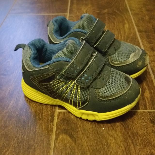 38e4bb44729a Best Carter s Toddler Boys Sneakers With Velcro Straps - Size 8 for sale in  Oshawa