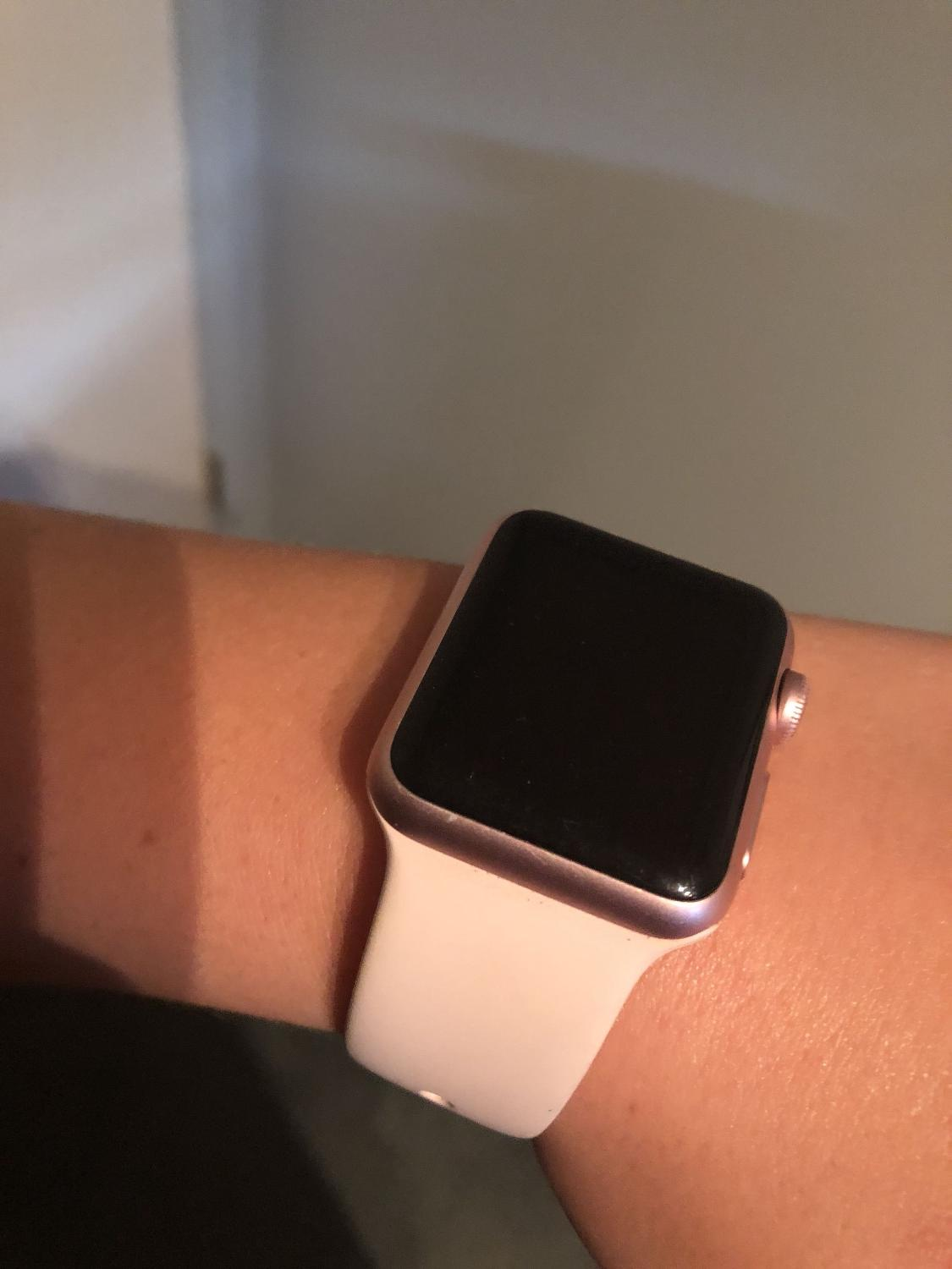 Best Rose Gold Apple Watch Series 1 For Sale In North Delta British Columbia For 2021