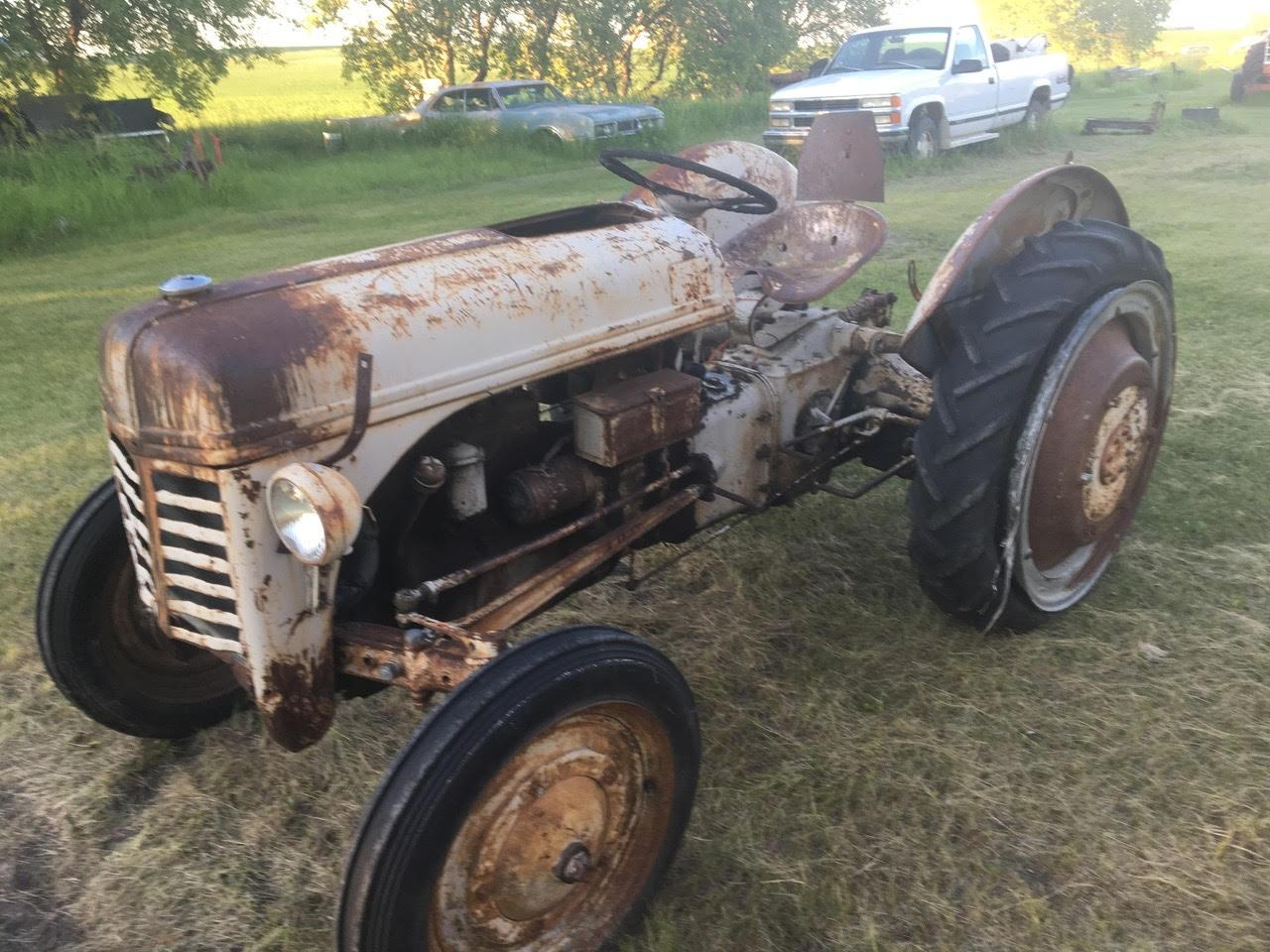 9n Ford Tractor >> 9n Ford Tractor