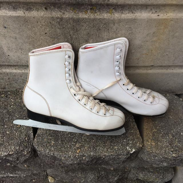 Ice Skates For Sale >> Women S Ice Skates Size 7