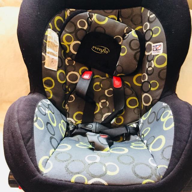 EvenFlo Baby Car Seat