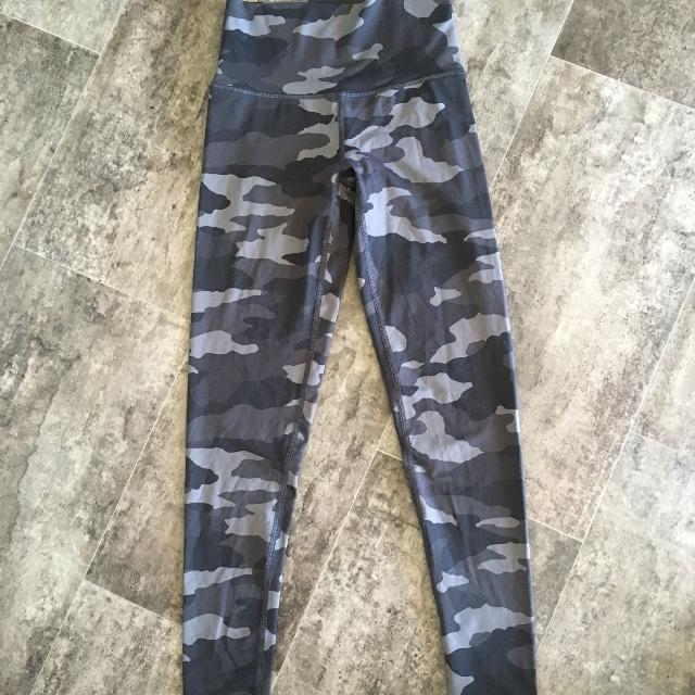 a9971138ac7f0 Find more Almost New American Eagle Aerie Leggings for sale at up to ...