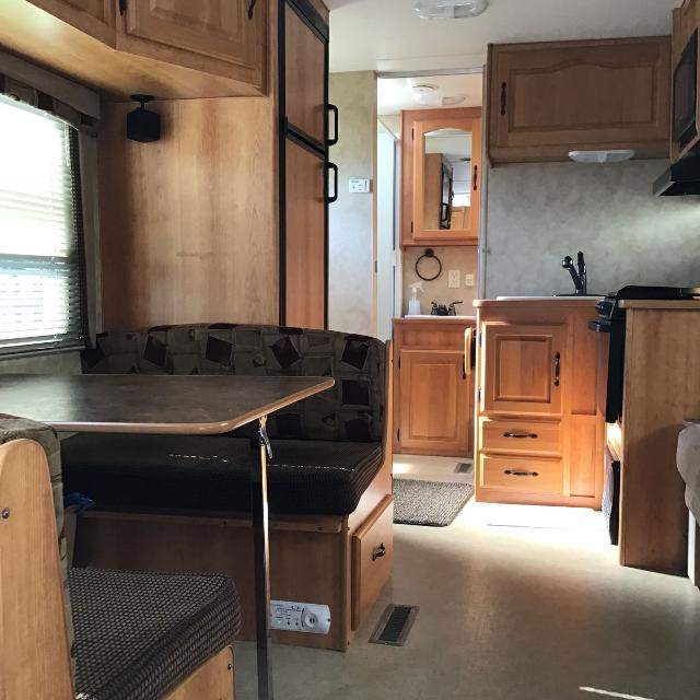 56f468c0cd 2008 Extreme Monterey Travel Trailer 26' (including hitch)