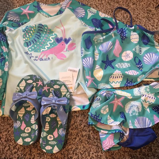 0e1119f8e21287 Find more Gymboree New Rash Guard   Tankini (and Matching Flip Flops ...