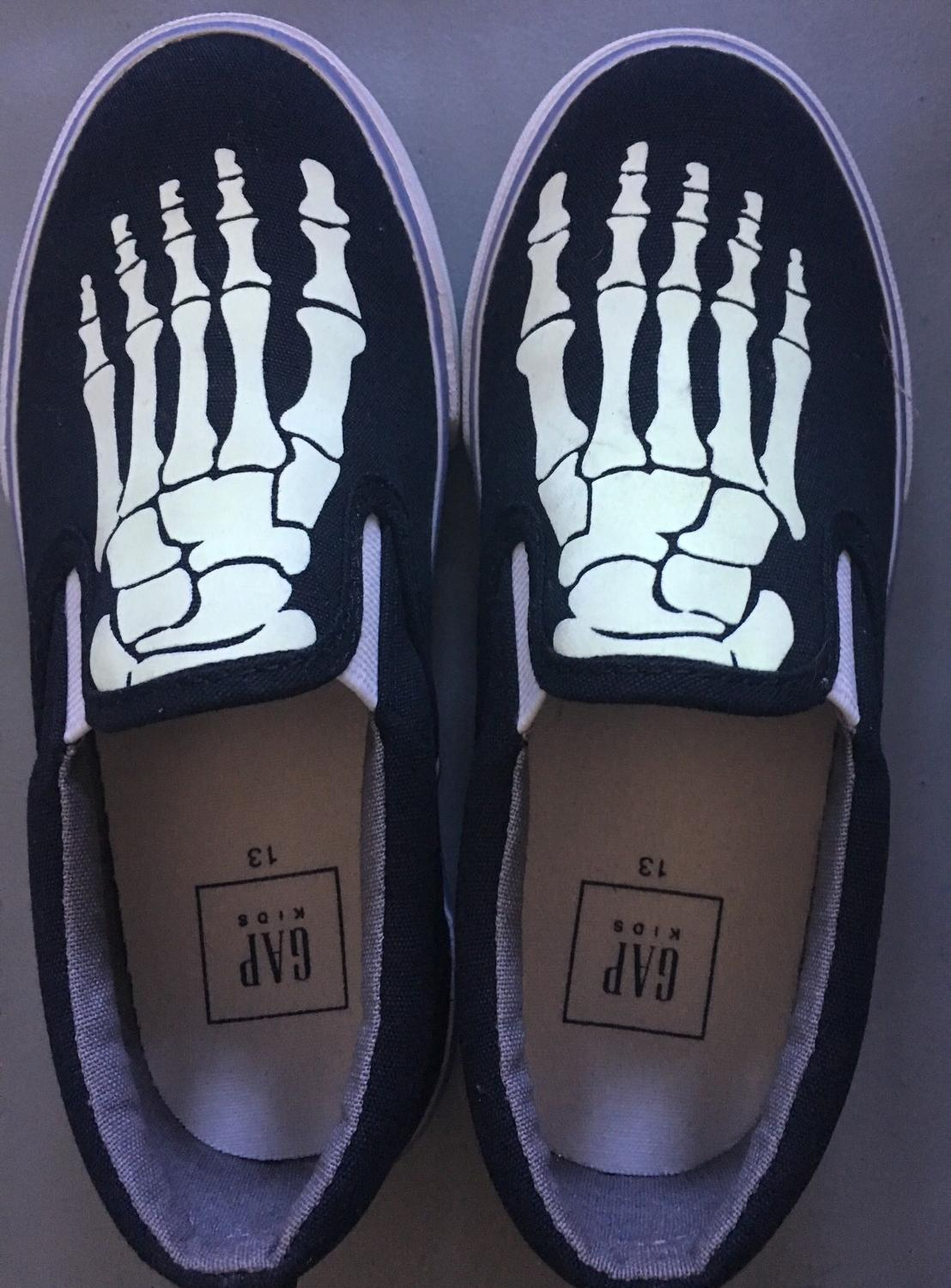 882cc9e471 Gap Kids Skeleton Slip On Shoes - Size 13 - New