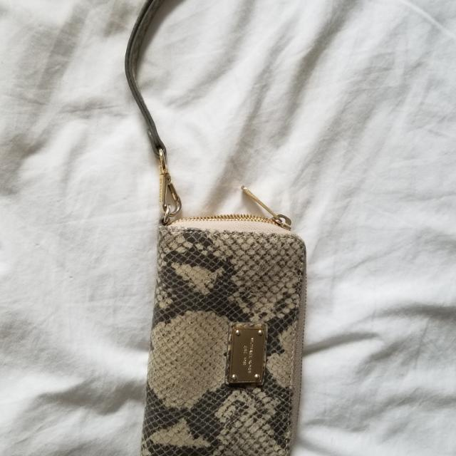 b1a7df188d4a Best Michael Kors Snake Skin Wristlet Great Condition for sale in Calgary