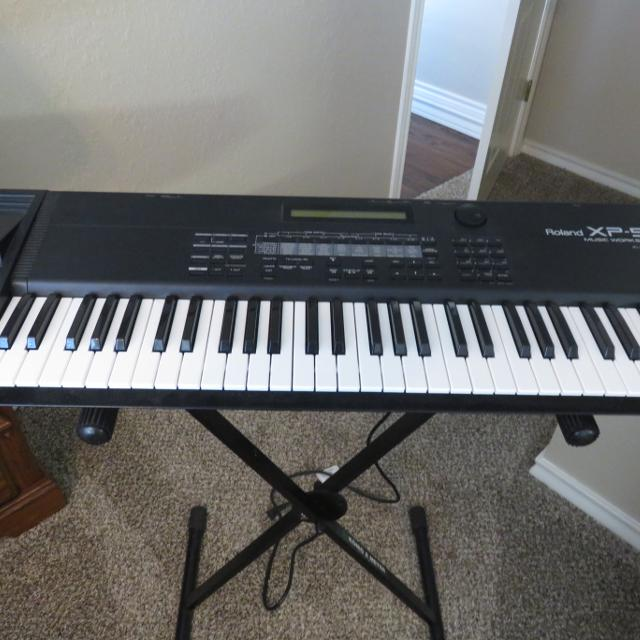 Roland XP-50 keyboard/workstation and case