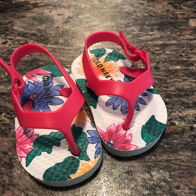 31d9048982e2 Find more Size 2 Baby Girl Flip Flops for sale at up to 90% off