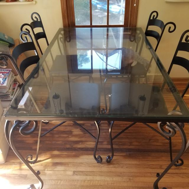 Pier 1 Wrought Iron Kitchen Table and 6 Chairs
