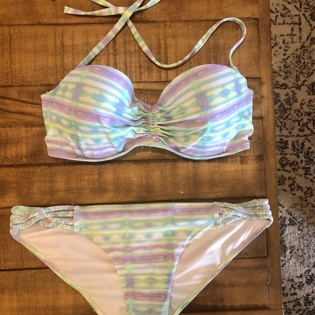 45d66224c1 Find more Victoria's Secret Bikini Like New! for sale at up to 90 ...
