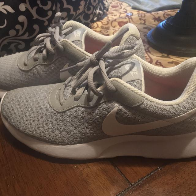 8b68440726f4 Find more Women Tanjun Nike Shoes Size 7 for sale at up to 90% off