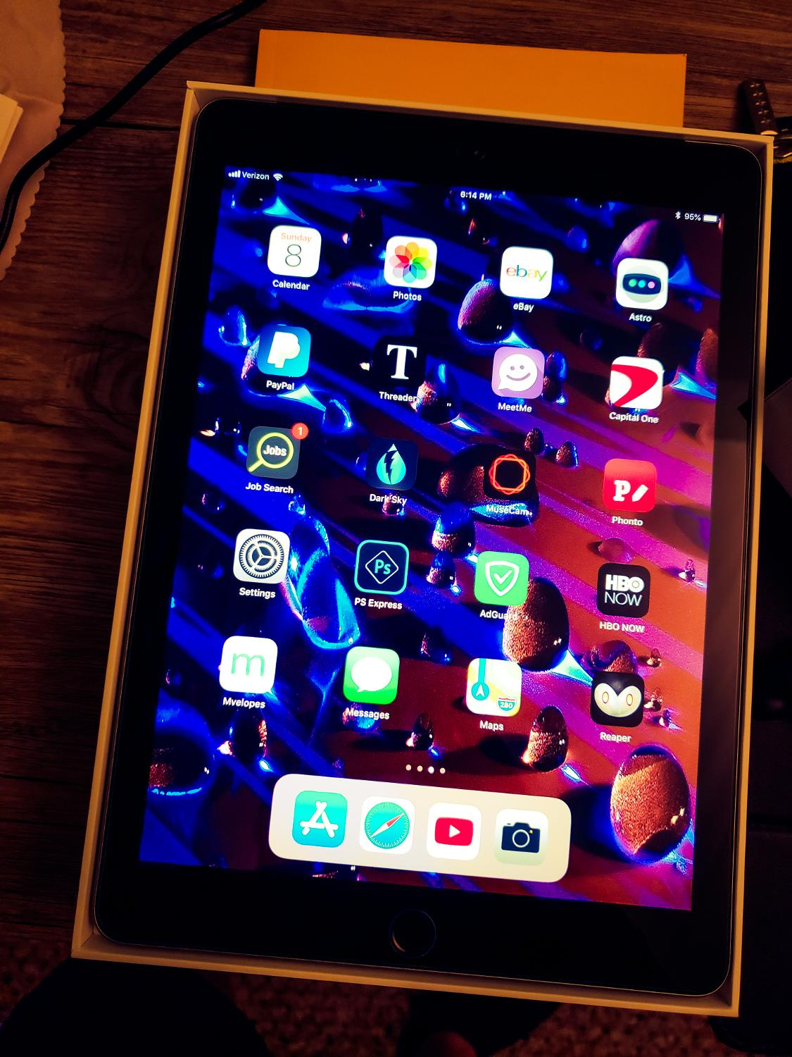 Best Apple Ipad Space Grey 9 7 In 128 Gb Model A1954 Bundle Vzn Agreement Please Read Description For Sale In Woodbury Minnesota For 2020